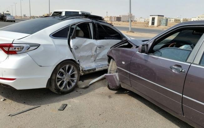 منع ٣ شركات تأمين من إصدار وثائق تأمين للمركبات