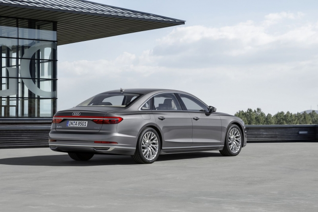 أودي تطور تقنية تنصحك بالطريق الأكثر كفاءة للوقود للسيارات الهجينة