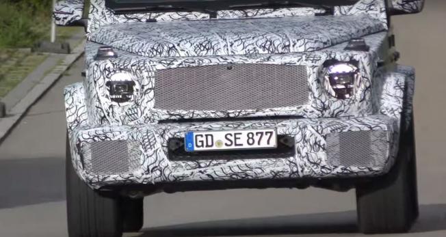 مشاهدة مرسيدس G63 AMG الجديدة بمصابيحها الإنتاجية للمرة الأولى