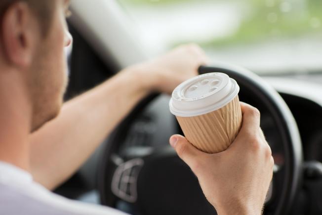 50% من السائقين في السعودية يعتمدون على القهوة للبقاء متيقظين أثناء القيادة