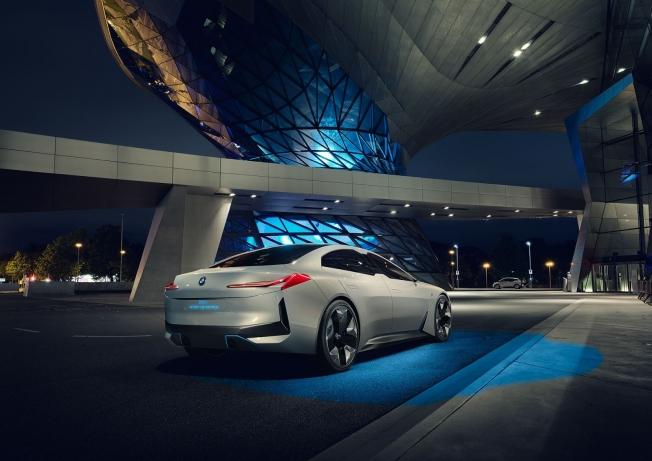 جميع سيارات بي إم دبليو سيتم إنتاجها على قاعدة عجلات موحدة بعد 2020