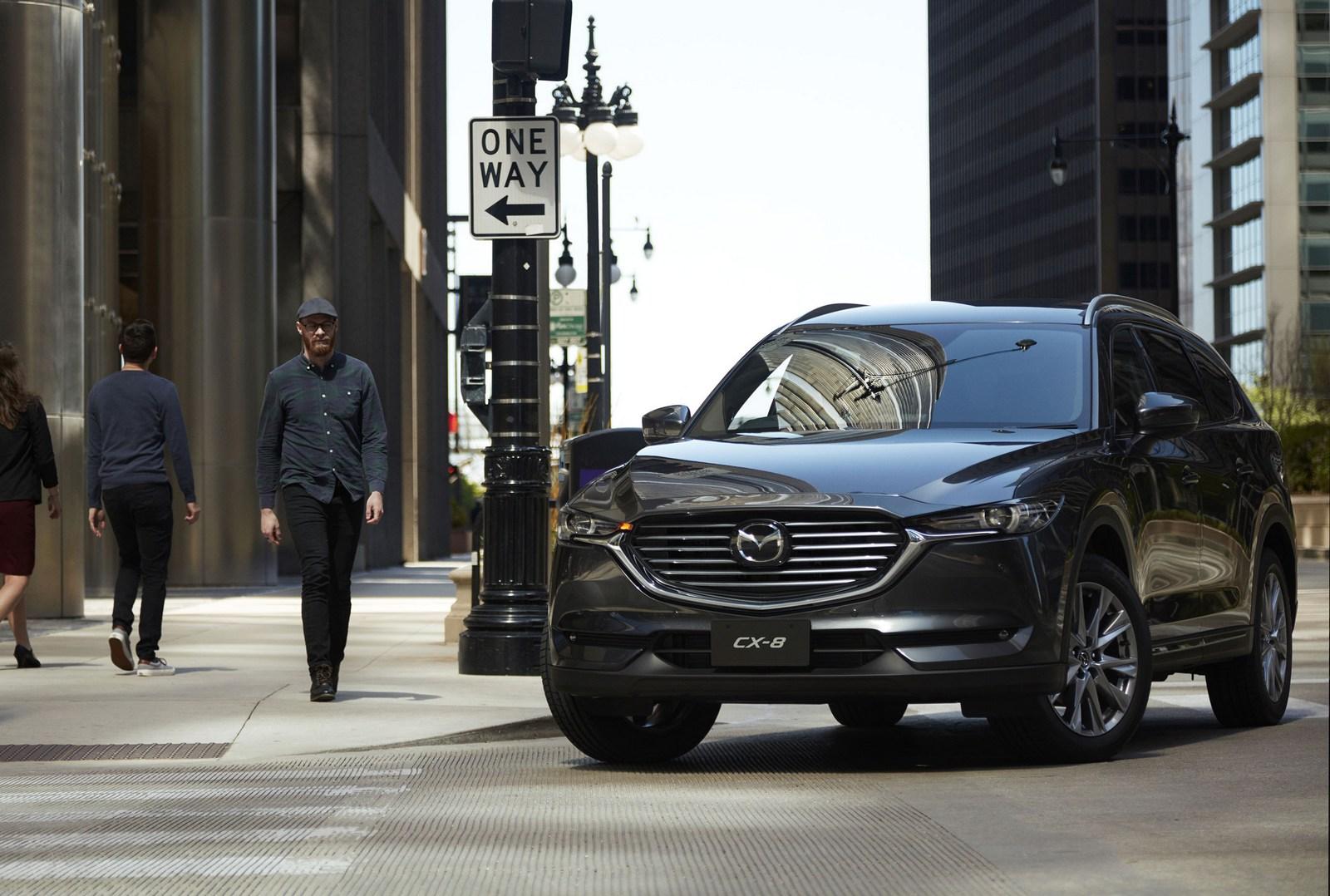 Kekurangan Mazda 8 Review
