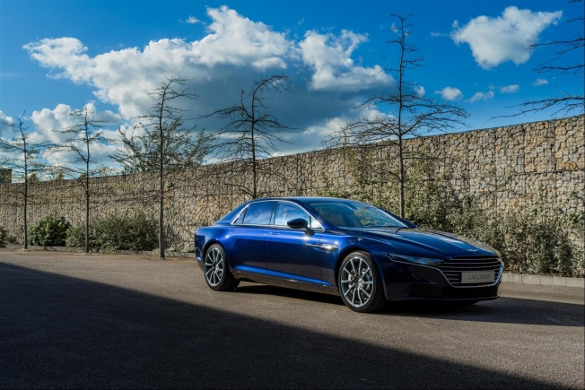 أستون مارتن ستطلق سيارتين لاجوندا جديدتين بحلول 2023