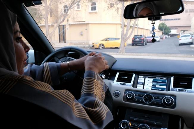 المرور يكشف عن قوانين وتحديثات جديدة خاصة بقيادة المرأة