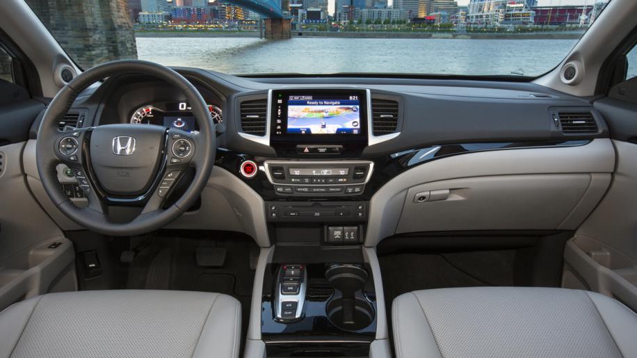هوندا تعلن عن سيارتها بايلوت 2018 بتحديثات في الامان 18pilot-29-1