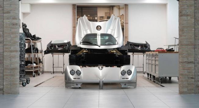 باقاني تطلق برنامج Rinascimento لإعادة بناء سياراتها المستعملة