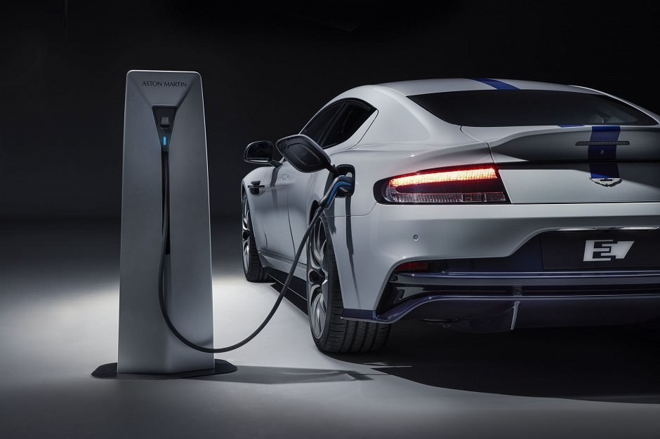 أستون مارتن تكشف عن رابيد e, أول سياراتها الكهربائية بالكامل استون-مارتن-كهربائية