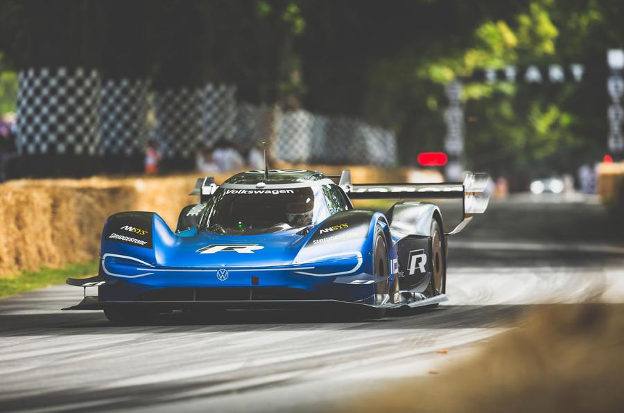 فولكس واجن id r تصبح أسرع سيارة في احتفال السرعة goodwood-fos-2019070