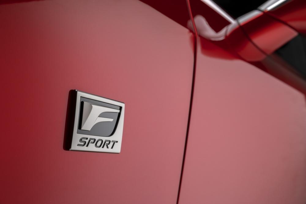 لكزس تكشف عن مواصفات سيارتها الرياضية IS 500 F Sport Performance  2022-Lexus-IS-500-F-Sport-Performance-Debut-2-1000x667