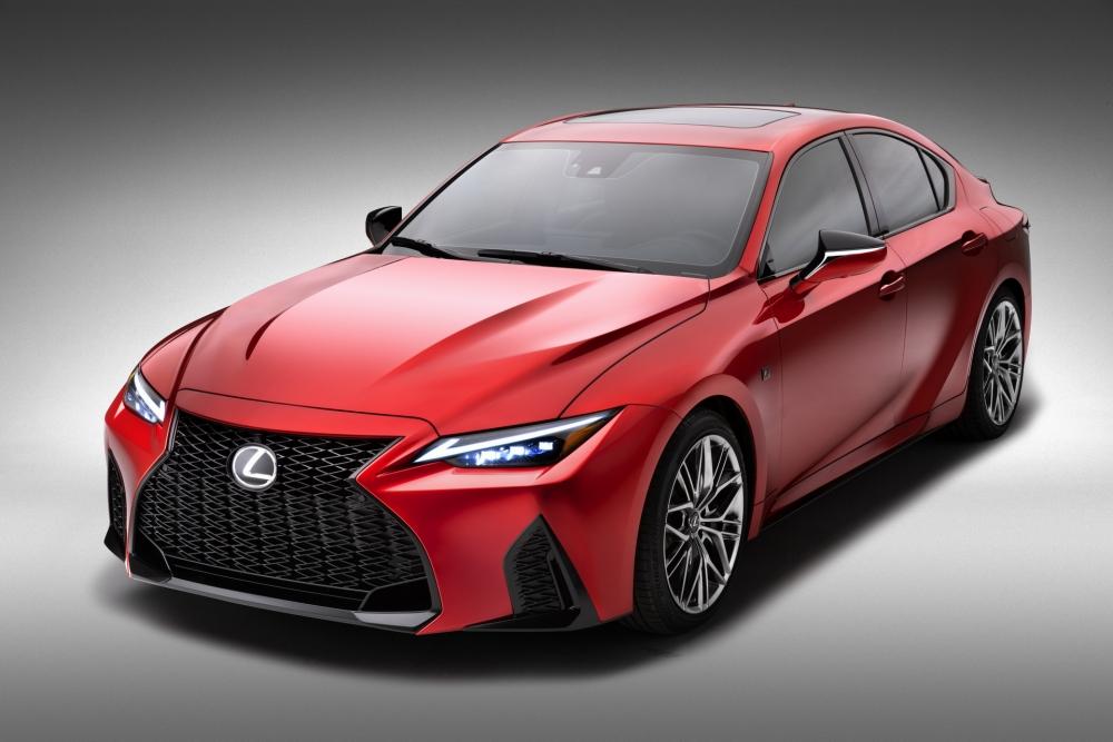 لكزس تكشف عن مواصفات سيارتها الرياضية IS 500 F Sport Performance  2022-Lexus-IS-500-F-Sport-Performance-Debut-22-1000x667