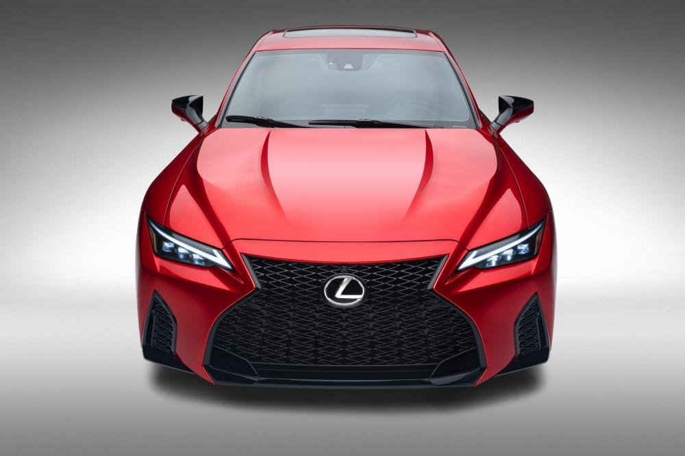 لكزس تكشف عن مواصفات سيارتها الرياضية IS 500 F Sport Performance  2022-Lexus-IS-500-F-Sport-Performance-Debut-28-1000x667