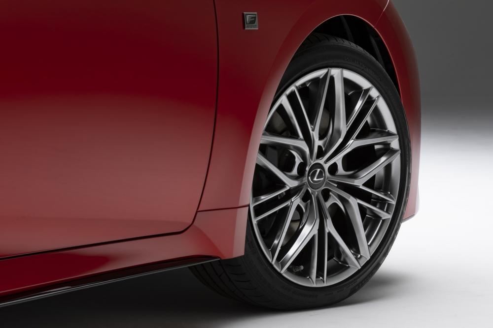 لكزس تكشف عن مواصفات سيارتها الرياضية IS 500 F Sport Performance  2022-Lexus-IS-500-F-Sport-Performance-Debut-51-1000x667