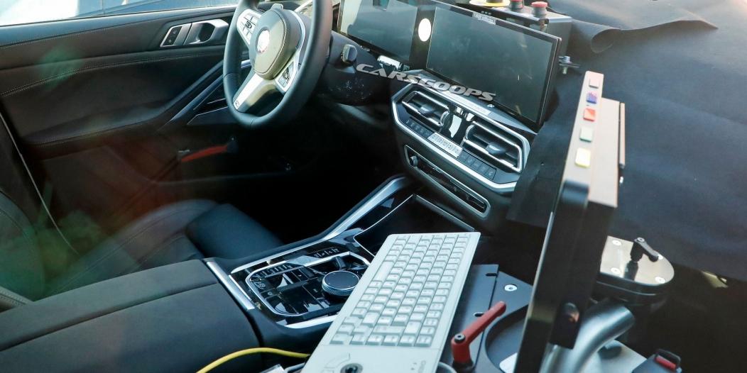 صور تجسسية لــ بي إم دبليو X6 المحدثة تكشف عن تصميم داخلي جديد 2023-BMW-X6-1-1052x526