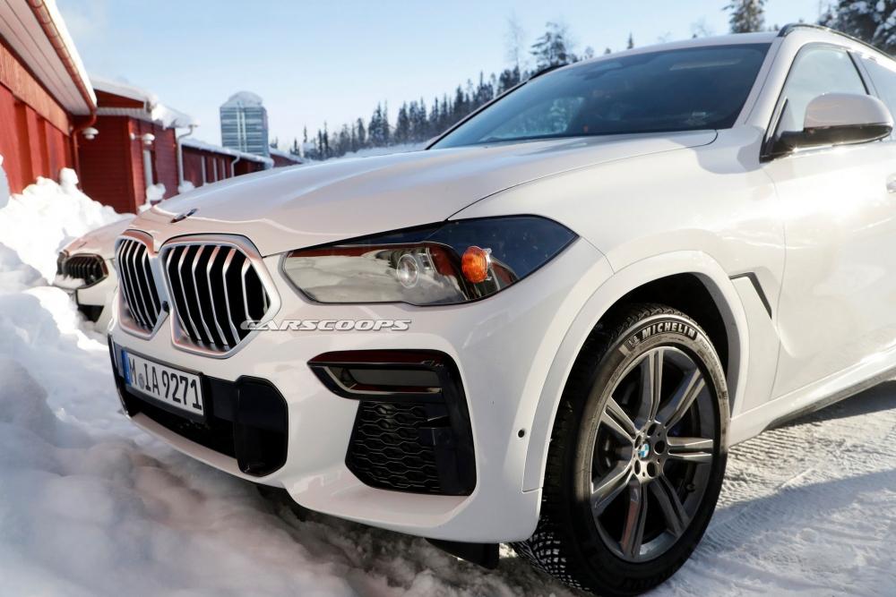 صور تجسسية لــ بي إم دبليو X6 المحدثة تكشف عن تصميم داخلي جديد 2023-BMW-X6-5-1000x667