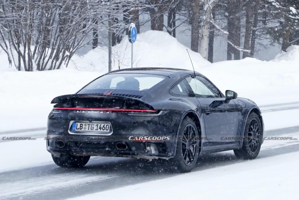 أول صور تجسسية لــ بورش 911 سفاري Porsche-911-Safari-Prototype-03-1000x670