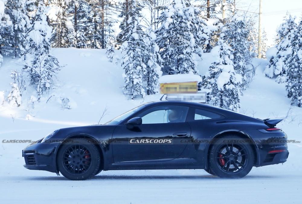 أول صور تجسسية لــ بورش 911 سفاري Porsche-911-Safari-Prototype-19-1000x678