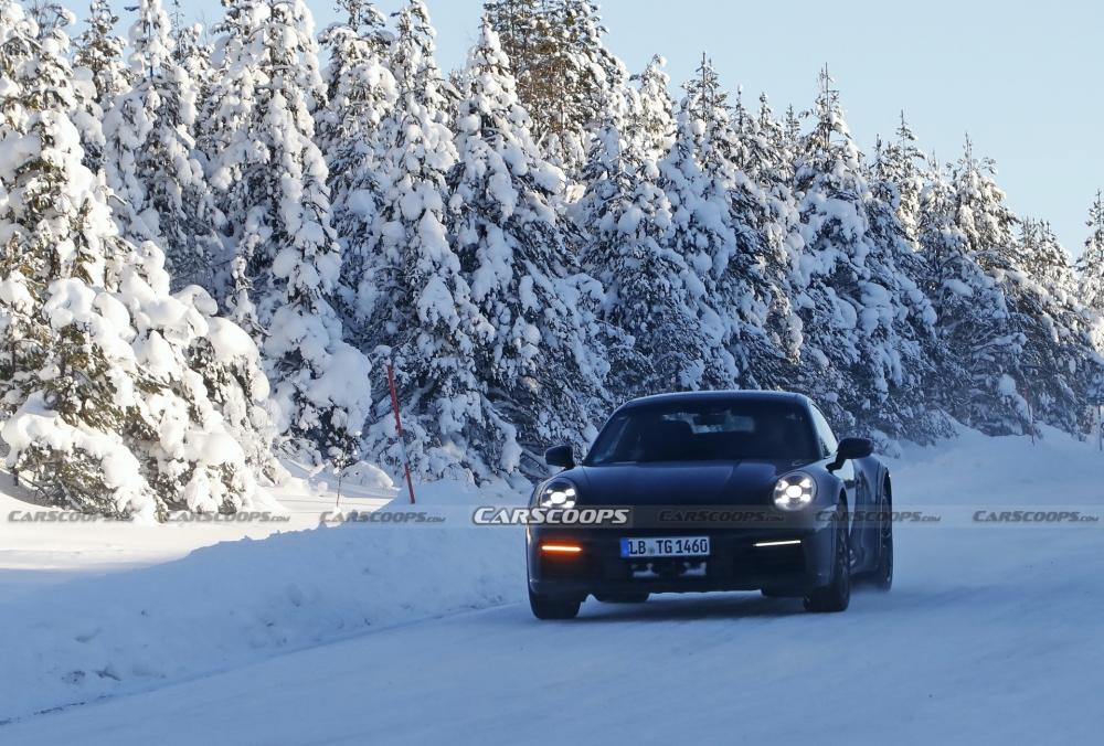 أول صور تجسسية لــ بورش 911 سفاري Porsche-911-Safari-Prototype-24-1000x676