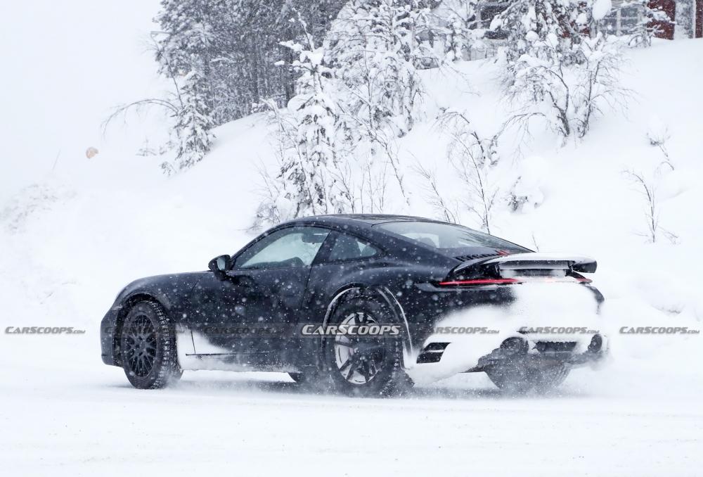 أول صور تجسسية لــ بورش 911 سفاري Porsche-911-Safari-Prototype-30-1000x678