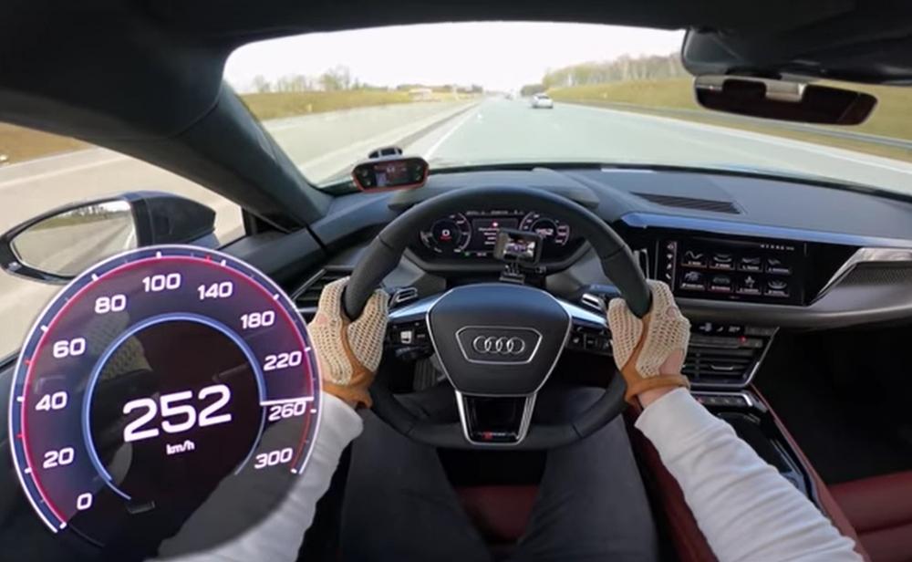 شاهد قيادة أودي RS E-Tron GT على أوتوبان