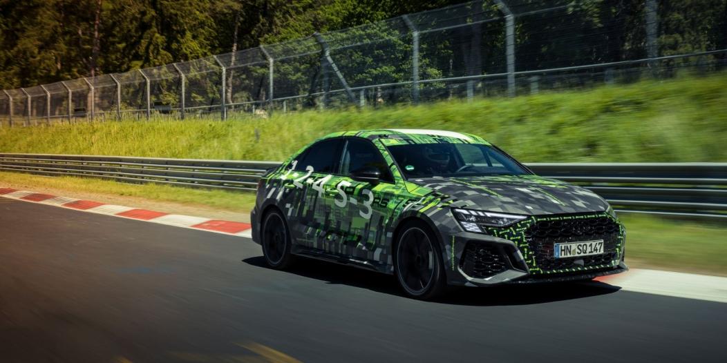 حققت أودي RS3 لقب أسرعي سيارة سيدان صغيرة على حلبة نوربرجرنج بعد قطع المسار في 7:40.748 دقيقة Audi RS 3