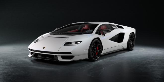 خطفت لامبورغيني كونتاش اهتمام الجماهير بسرعة فائقة، وأصبحت السيارة الكلاسيكية الجديدة لمستقبل الشركة.