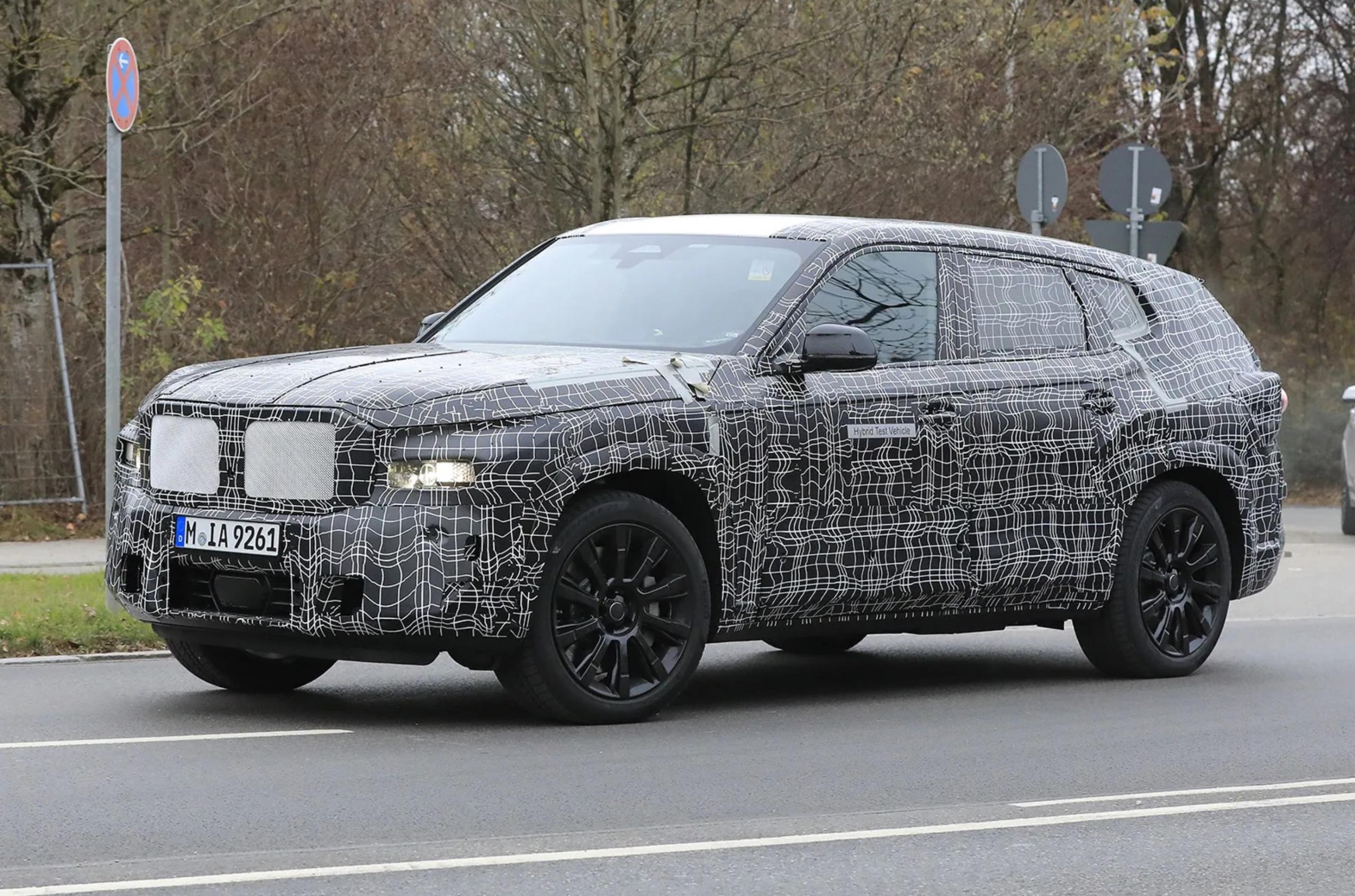 أعلنت بي إم دبليو استعدادها بدء إنتاج سيارة جديدة في مصنع الشركة الأمريكي، ورغم أنها لم تحدد اسم السيارة إلا أن التقارير تكشف عن ذلك، إنتاج X8.